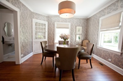 10 Dining Room Designs with Damask WallPaper Patterns - Interior Design Ideas