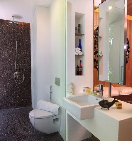 Tiny Bathrooms Avoid Common Decorating Mistakes