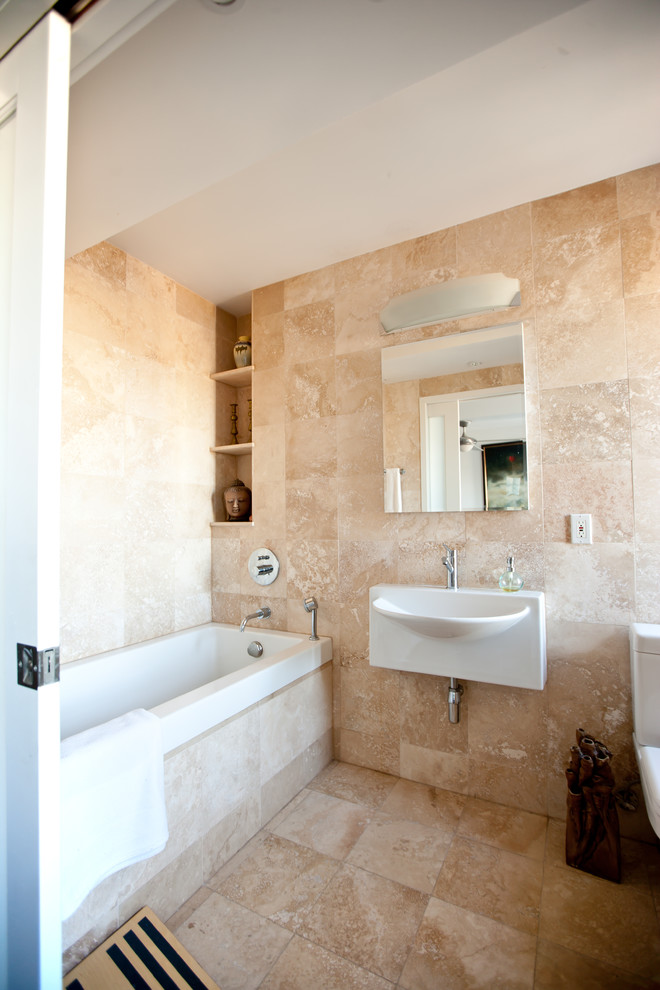 Tiles travertine tile designer bathrooms floor tile tile for Beautiful small bathrooms