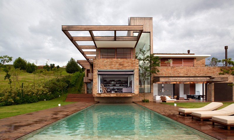 House exterior built on a sloping plot