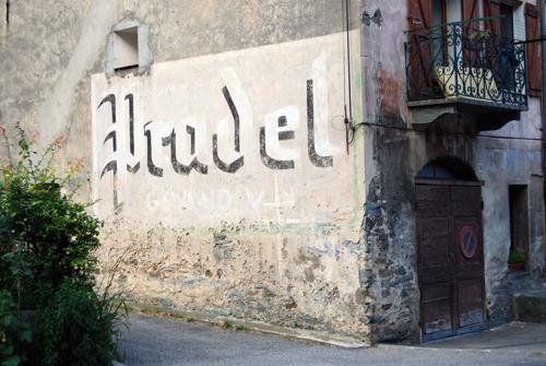 Pradel - Provence Haute-Alpes, France - © Frank H. Jump