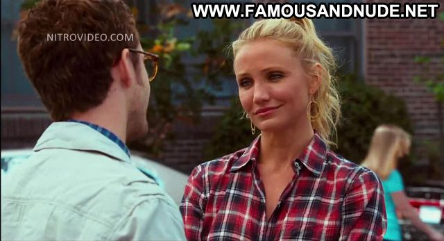 Cameron Diaz Bad Teacher Car Wash Posing Hot Showing Tits