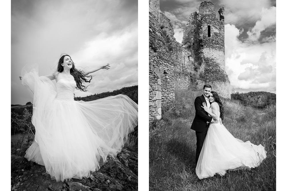 photo de couple de mariés à château rocher en noir et blanc