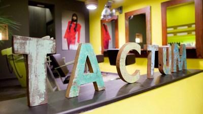 La peluquería Tàctum celebra su 10 Aniversario