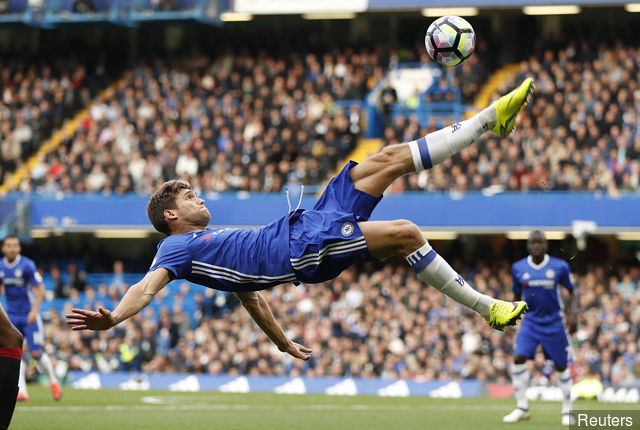 chelseas_marcos_alonso_in_action_362621