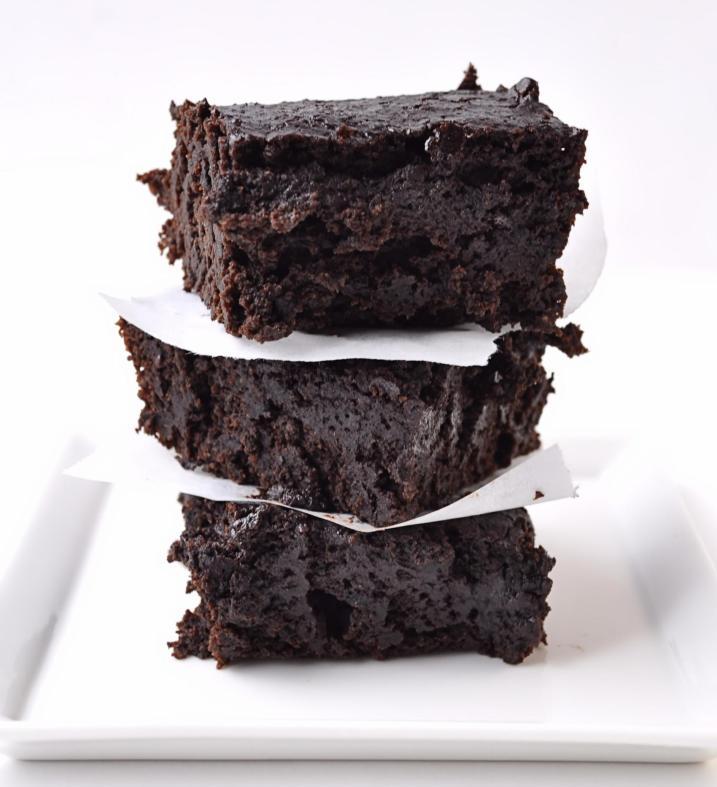 Dark Chocolate Stout Brownies | farmgirlgourmet.com
