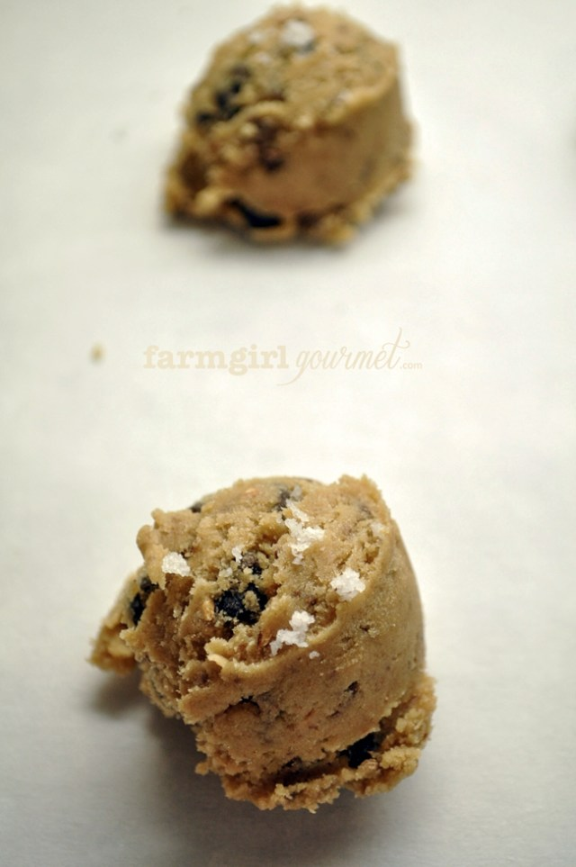 Sea Salted Toffee Chocolate Chip Cookies | farmgirlgourmet.com