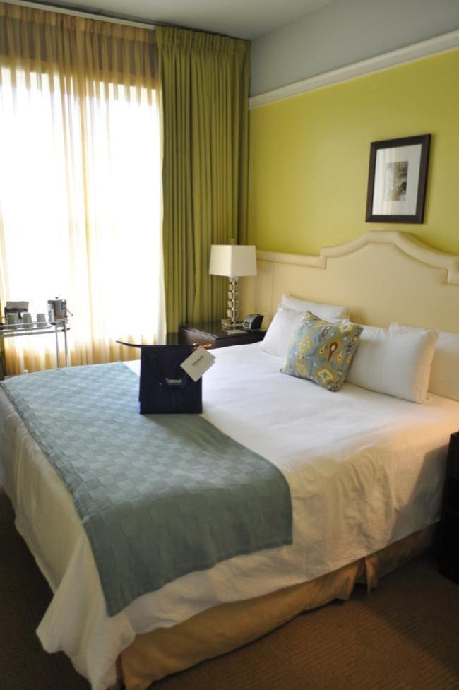 Hotel deLuxe Portland | farmgirlgourmet.com