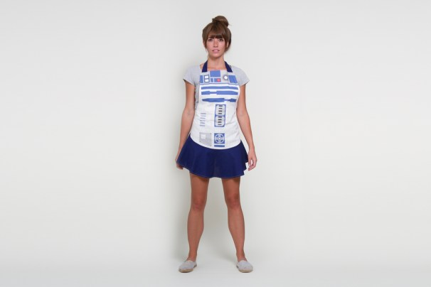 R2D2_Apron_Hostess_Crop
