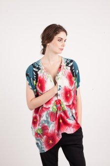 kinwolfe_product_-_vibrant_top_-_pink_hibiscus_print_-_access_web_1024x1024