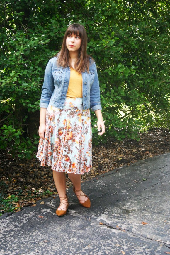 Jeanne FBC floral-midi-flared-skirt-madewell-whisper-cotton-tee-yellow-old-navy-cropped-demin-jacket-target-brown-lace-up-flats-gold-bangle-bracelet 4