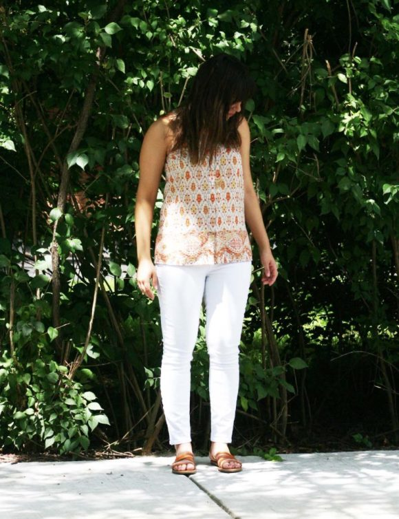 Jeanne FBC le-tote-giveaway-white-jeans-loft-paisley-coral-top-old-navy-strappy-huarache-sandals-cognac-fringe-necklace 8