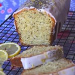 Cake citron-pavot parfait, glaçage blanc