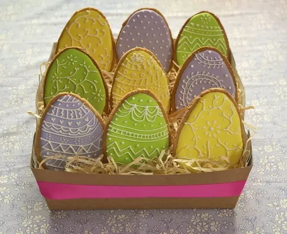 easter-egg-cookies-icing