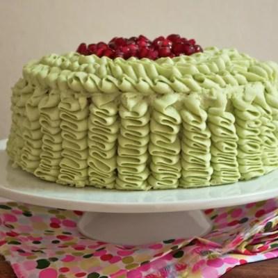 Gâteau blanc à froufrous pistache-grenade [en vidéo]