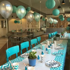 turquoise-grey-table-decoration