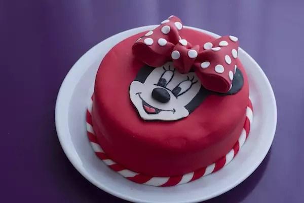 gateau-minnie-disney-cake
