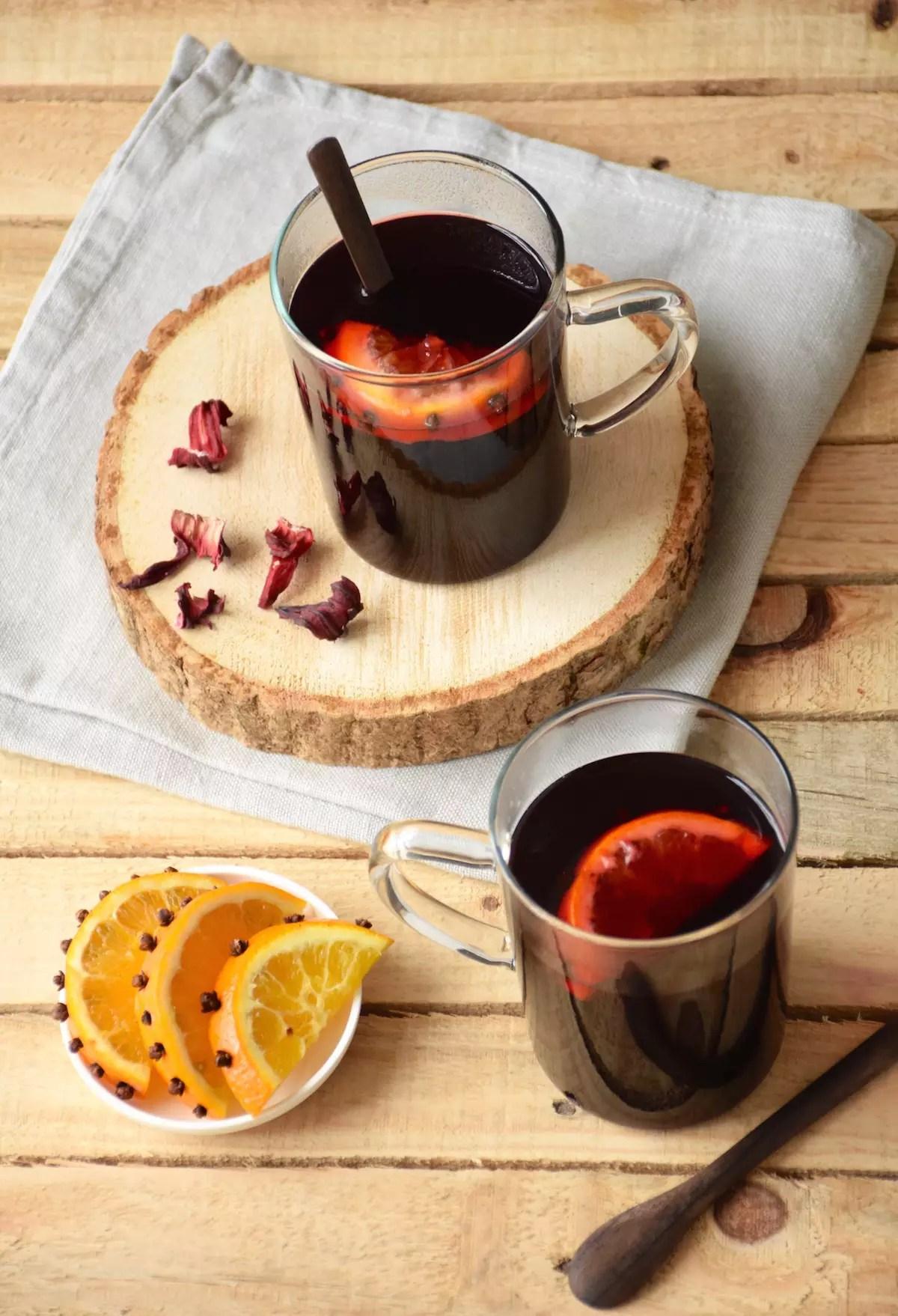 Hibiscus mulled wine
