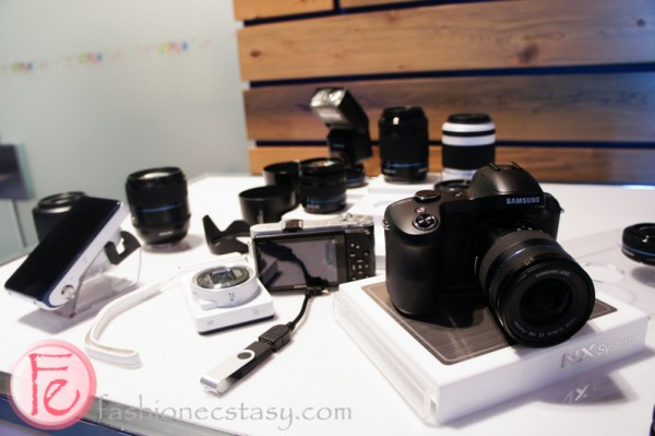 Samsung Galaxy NX Camera & Lenses