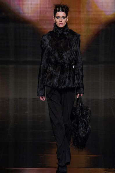 donna-karan-fall-winter-2014-show12