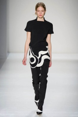 victoria-beckham-fall--winter-2014-show19