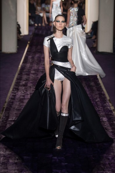 atelier-versace-2014-fall-haute-couture-show28