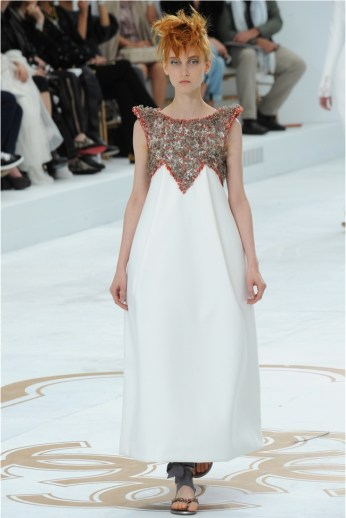 Chanels Fall 2014 Couture Show Gets Sculptural