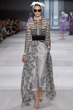 Giambattista Valli Goes Old Hollywood for Fall 2014 Couture