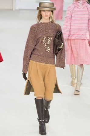 Chanel-2016-Fall-Winter-Runway18