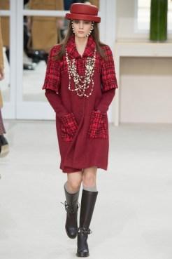 Chanel-2016-Fall-Winter-Runway21