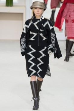Chanel-2016-Fall-Winter-Runway22