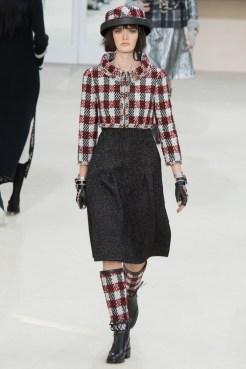 Chanel-2016-Fall-Winter-Runway27