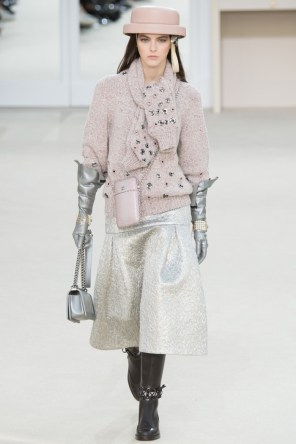 Chanel-2016-Fall-Winter-Runway36