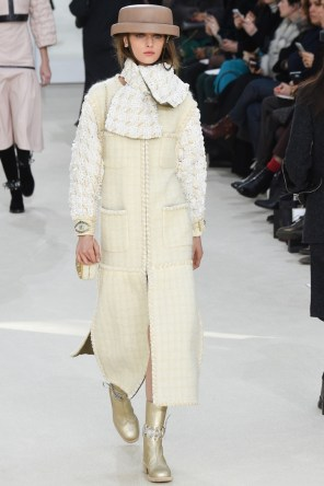 Chanel-2016-Fall-Winter-Runway50