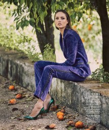 Karmen-Pedaru-Harpers-Bazaar-Span-2016-Cover-Editorial10