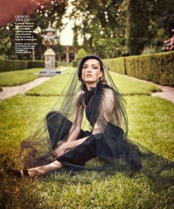 Karmen-Pedaru-Harpers-Bazaar-Span-2016-Cover-Editorial14