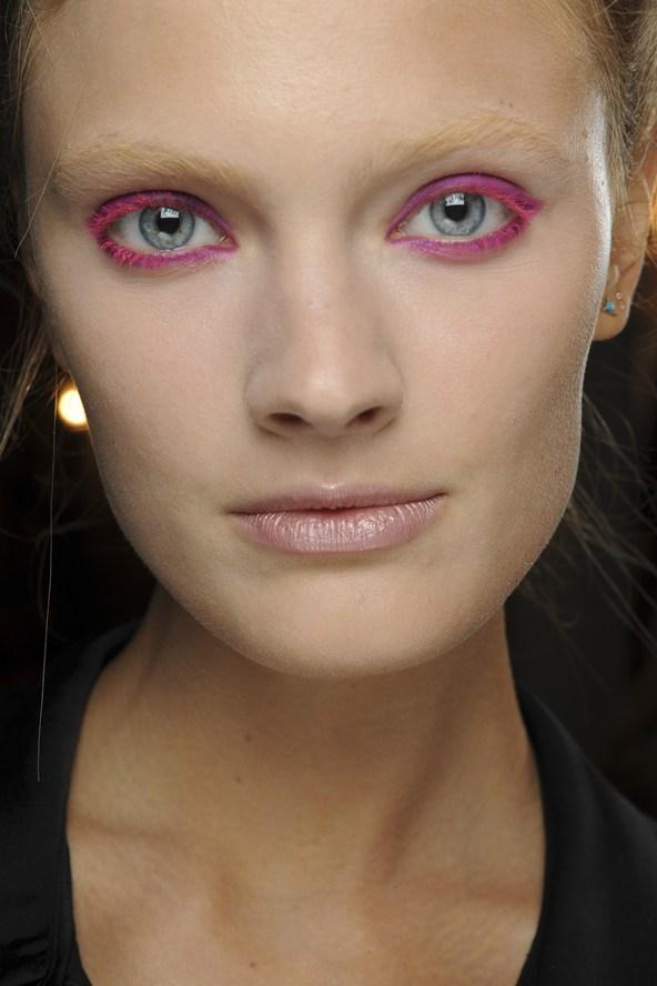 Neon Pink Eyeliner Summer 2013 Makeup Trends