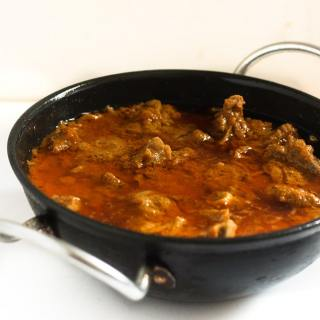 Tamatar Gosht Recipe, Pakistani is a delicious and tasty mutton recipe made with fresh tomatoes. Combining fresh tomatoes with tender meat is the ultimate in rejoicing my love for food. Tamatar Gosht recipe, Pakistani is nothing but Tomato with Mutton in Urdu . Tamatar Gosht is one of the most treasured family recipe.