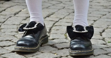 shoes-365385_1920