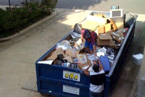 College dumpster diving: End-of-the-year trash free for all