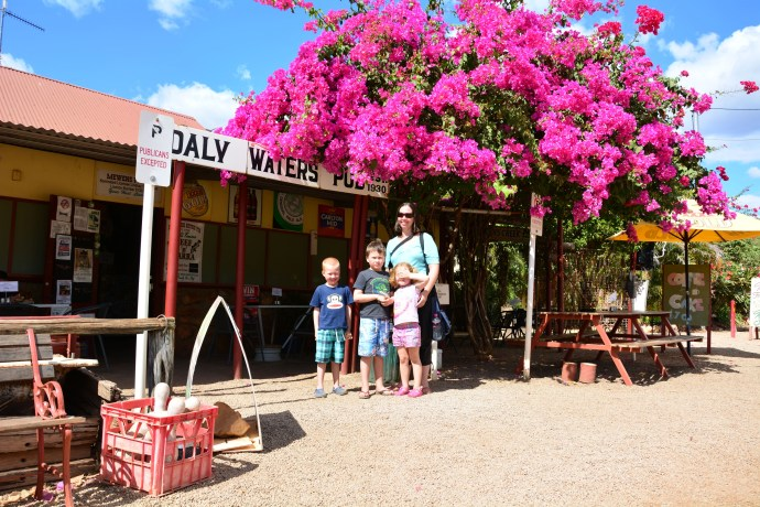 Daly Waters Pub - Lunch stop