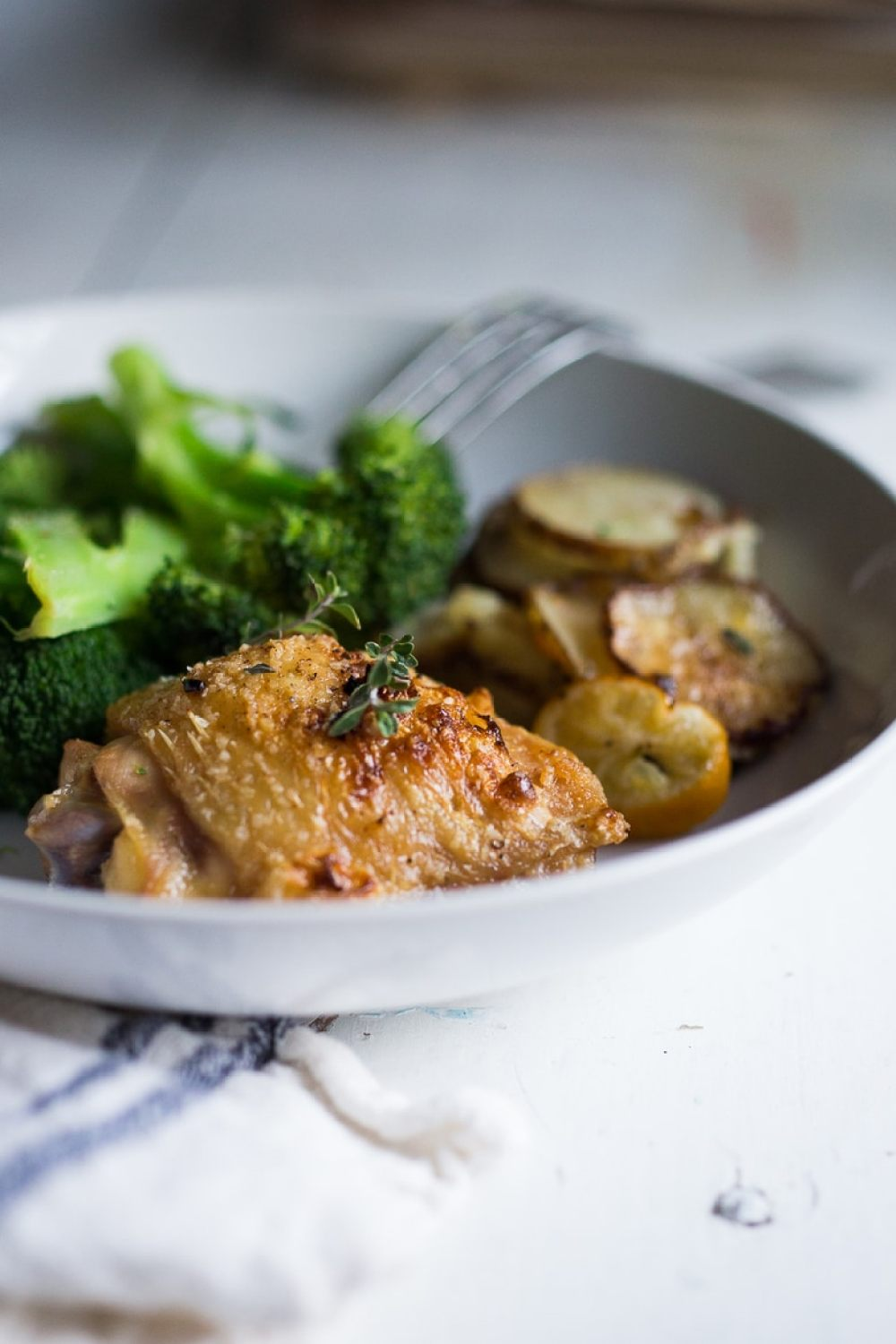 An EASY delicious recipe for One-Pan Chicken and Crispy Potatoes ...