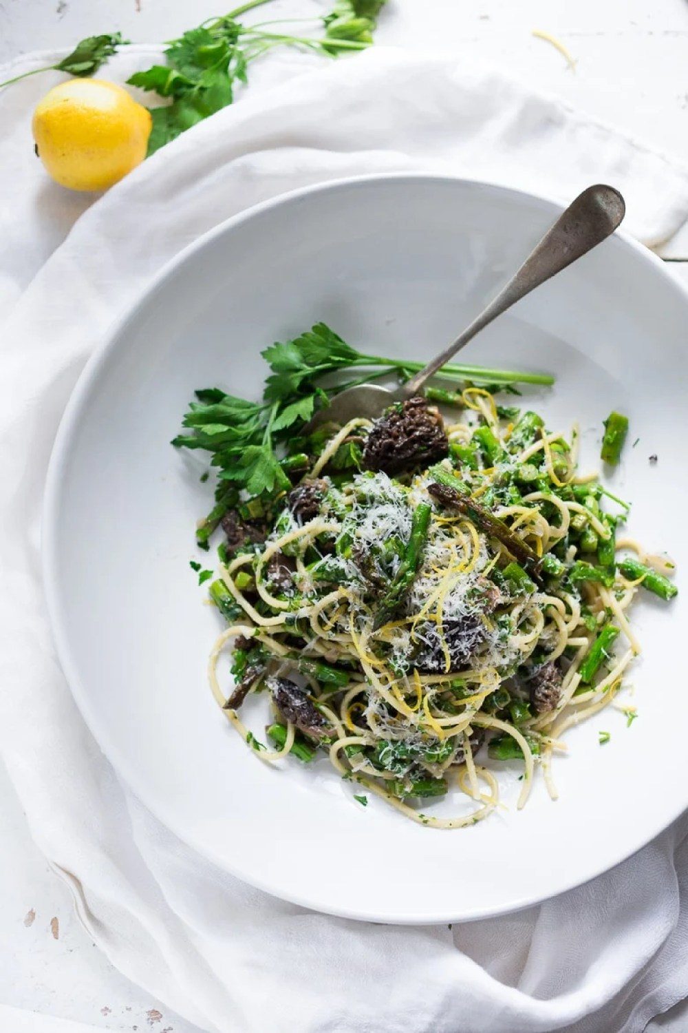 Spring Pasta Salad with Asparagus, Morels and Lemon Parsley Dressing. Zesty and flavorful, make in 30 minutes! | www.feastingathome.com