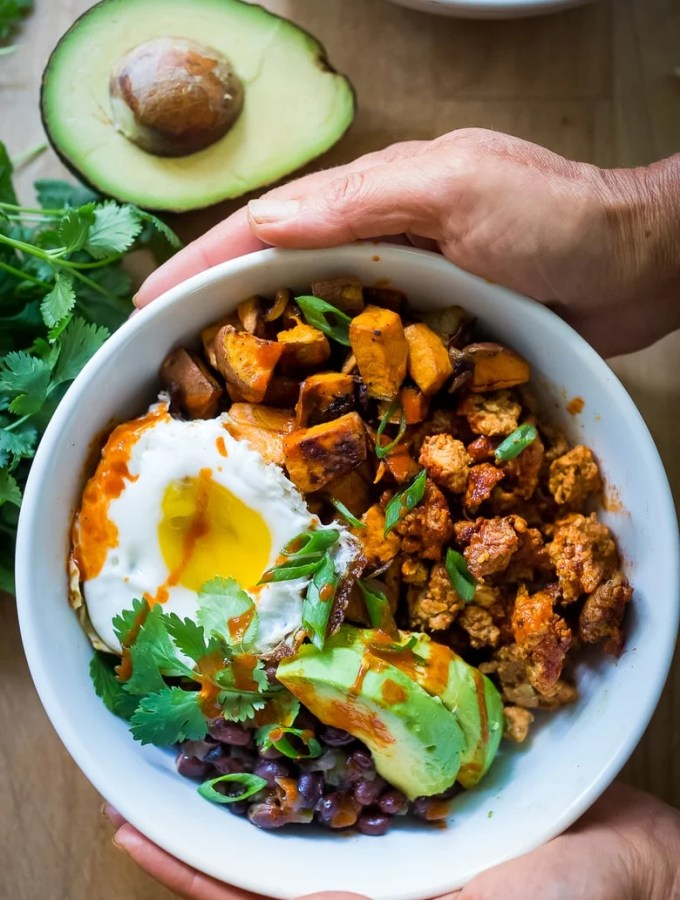 Healthy Yummy Mexican Breakfast Bowls | www.feastingathome.com