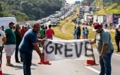 """O poder de a greve libertar o Brasil dos """"acionistas"""""""