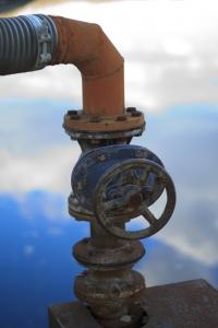 1327707_old_water_valve.jpg