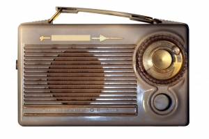 1400144_vintage_radio_2.jpg