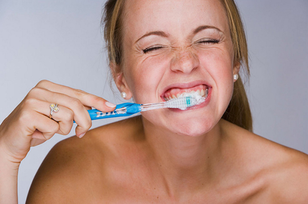 Too-Much-Or-Fast-Brushing-Can-Be-Harmful-To-Your-Teeth (2)
