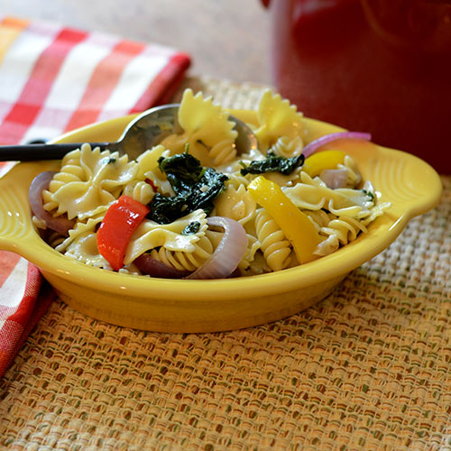 Pasta Olive Olio, peppers, spinach, onions, spices