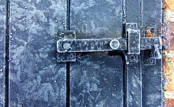 No-seas-idiota-con-la-puerta-fria